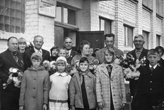 Зебницкий Д.П., с учащимися Климовской школы №2 8-9.09.1979 г.